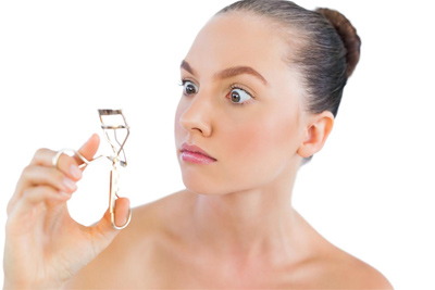 how to use eyelash curler. here are three eyelash curling mistakes that you should avoid, according to makeup.com: after applying how use curler